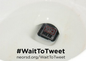 #WaitToTweet: Toilet-texting trends toward topical